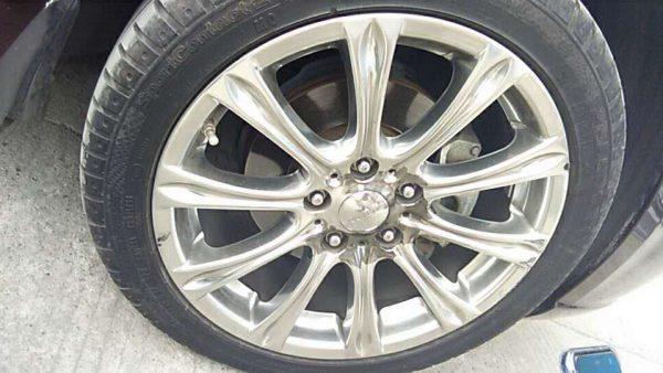 起亚棕色车身轮毂改电镀黑 个性而不失沉稳_志琦轮毂电镀