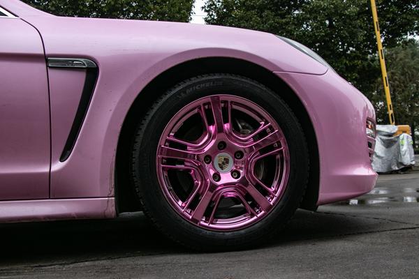 保时捷panamera粉色车身轮毂改电镀桃粉色